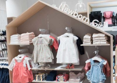 Zippy-Range-Newborn-Display-Redlands-Distribution-UK